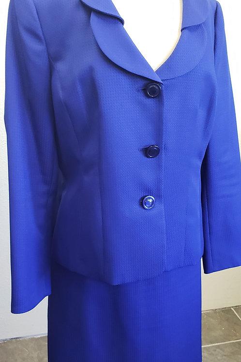 Le Suit, Suit, NWOT, Size 16    SOLD