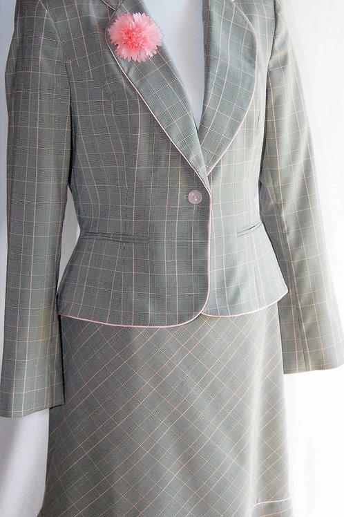 Liz Claiborne Suit, Size 10   SOLD
