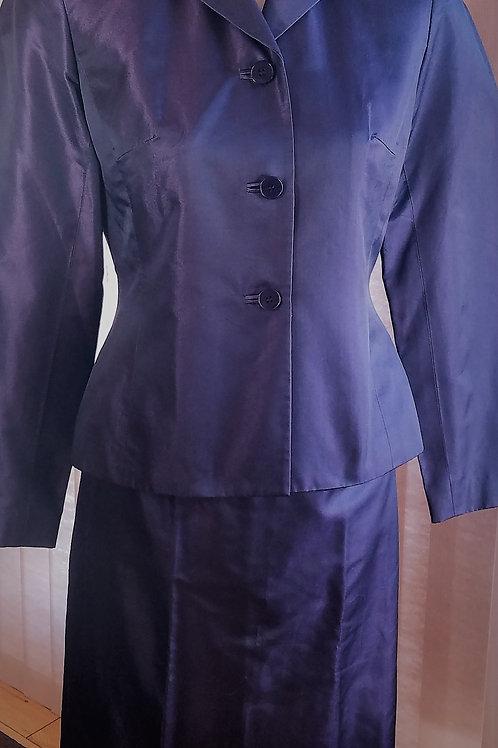 Ann Taylor Suit, Size 4P    SOLD
