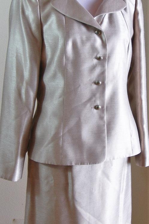 Kasper Suit, Size 8   SOLD