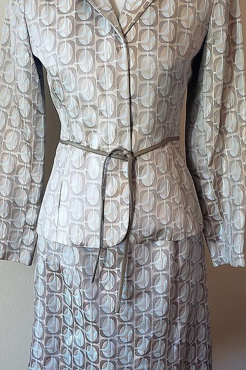 Kay Unger Suit, Size 2    SOLD