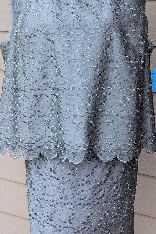 Elisabeth/Liz Claiborne Suit, Size 18    SOLD