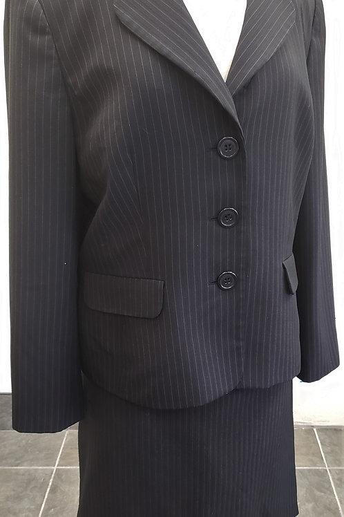 Le Suit, Suit, Size 18    SOLD