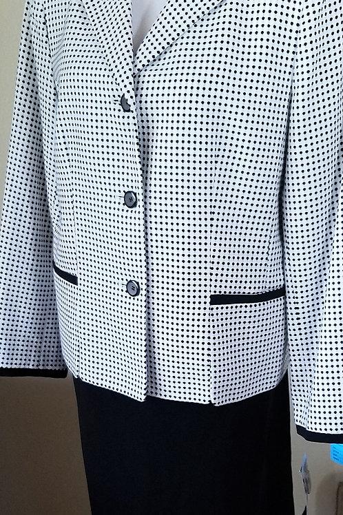 Le Suit, Suit, NWT, Size 16    SOLD