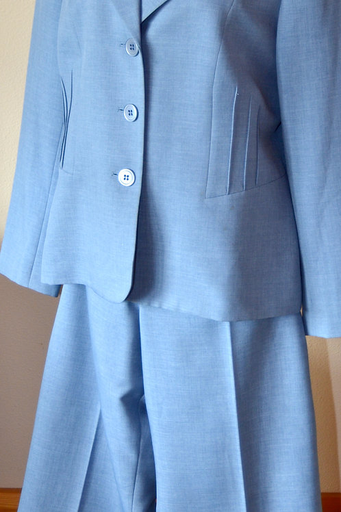 Evan Picone Pants Suit, Size 16   SOLD
