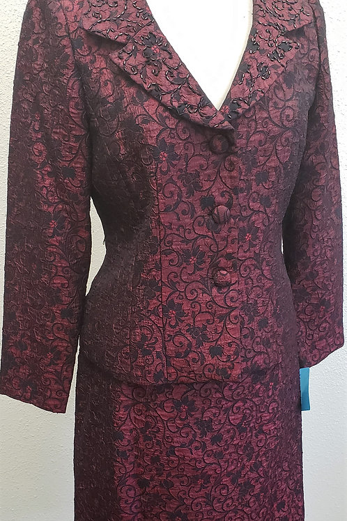 Jessica Howard Suit, Size 6    SOLD