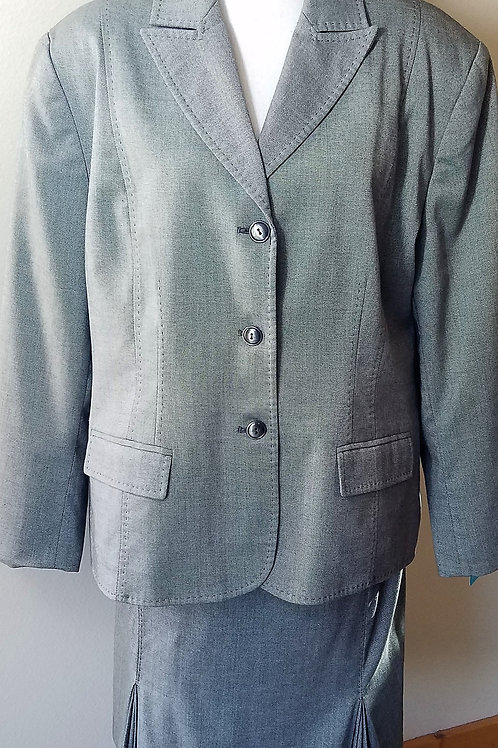 Alfred Dunner Suit, Size 20    SOLD
