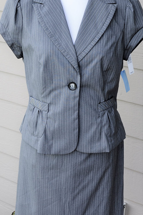 A Byer Suit, NWT, Size Juniors XL