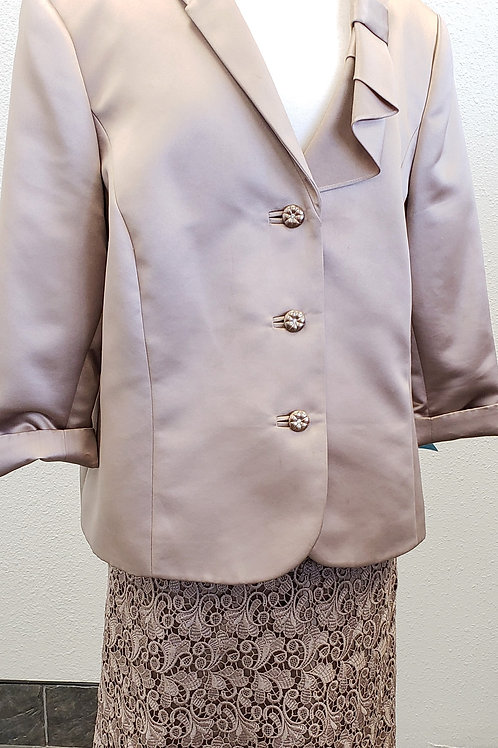 Tahari LUXE Suit, Size 18W    SOLD