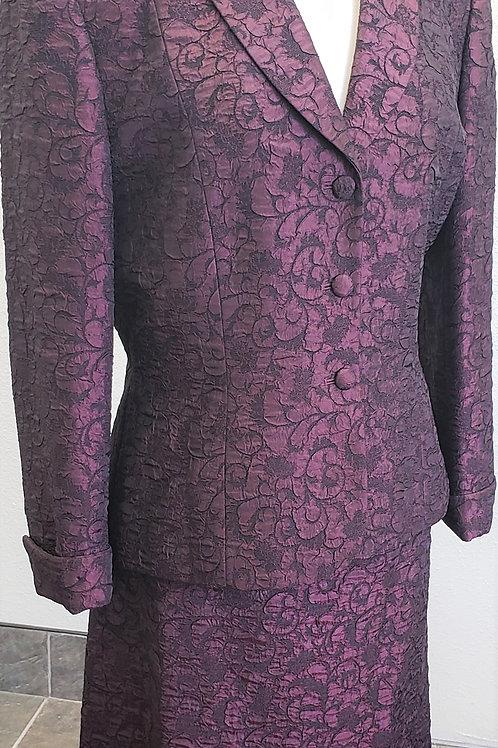 Tahari Suit, Size 14    SOLD