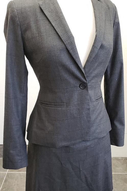 Banana Republic Suit, Size 0    SOLD