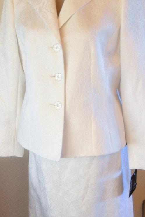 Le Suit, Suit, NWT, Size 12P    SOLD