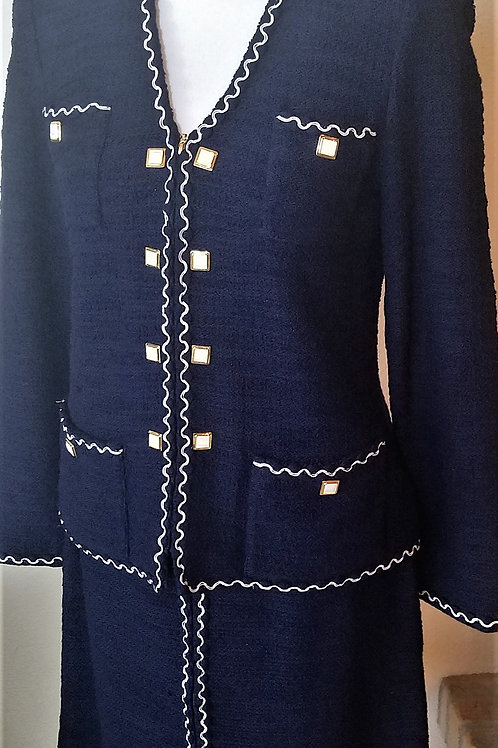 St. John Suit, Jacket Size 4, Skirt Size 6    SOLD