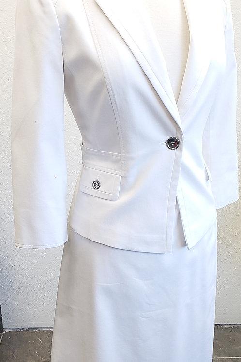 Tahari Suit, Size 2    SOLD