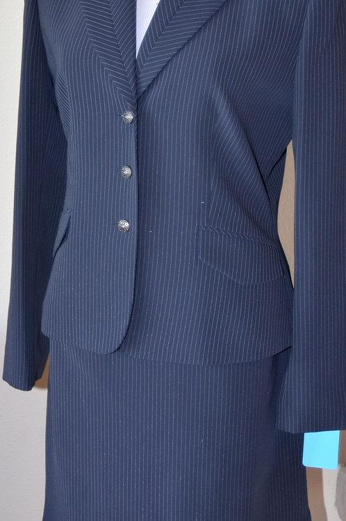 Tahari Suit, Size 6    SOLD
