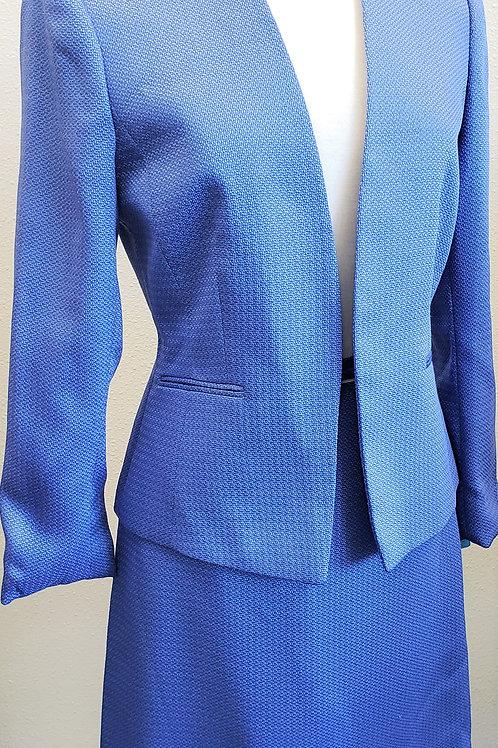 Tahari Suit, Jkt Sz 6, Skt Sz 8    SOLD