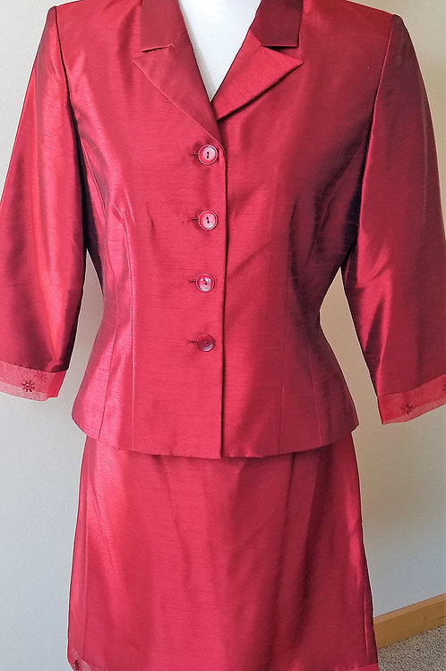 Jessica Howard Suit, Size 8P    SOLD