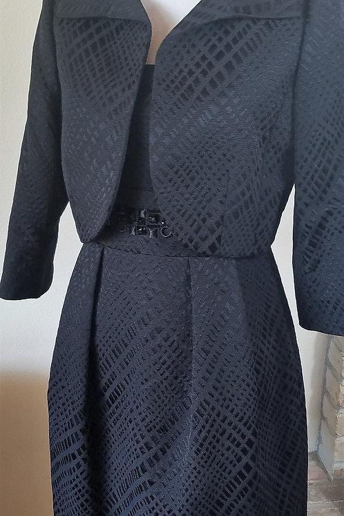 Tahari Dress Suit, NWOT Size 8    SOLD
