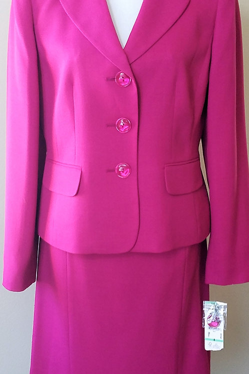 Evan Picone Suit, NWT Size 8    SOLD