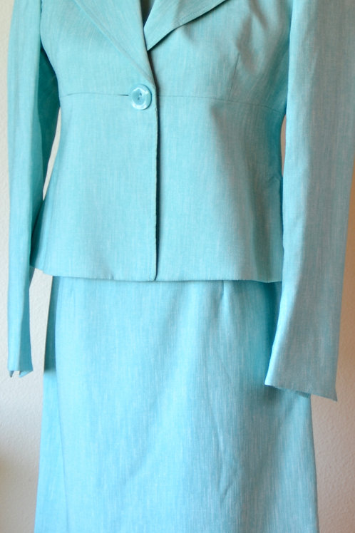 Kasper Dress Suit, Size 2P  SOLD