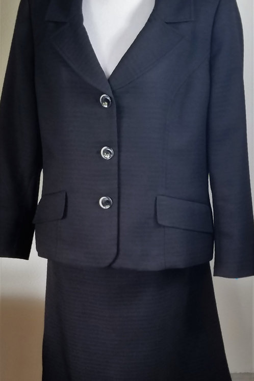 Evan Picone Suit, Size 16     SOLD