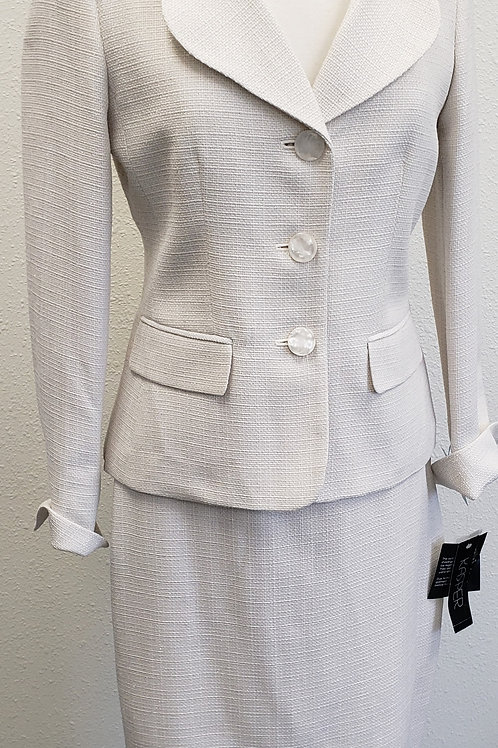 Kasper Suit, NWT, Size 4    SOLD