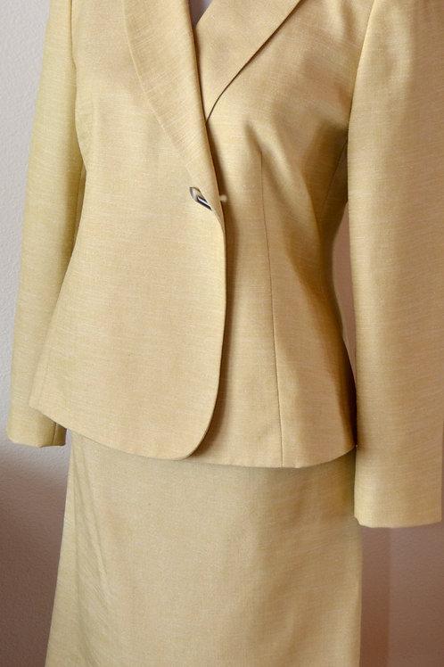 Le Suit, Suit Size 4P   SOLD