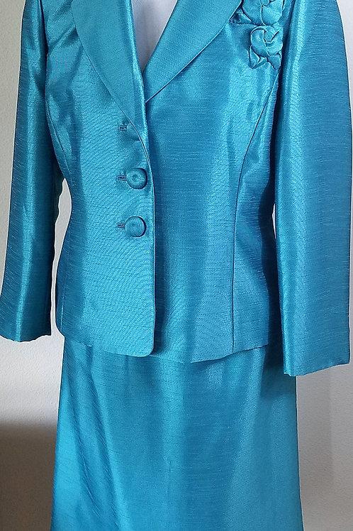 Kasper Suit, NWT Size 8P    SOLD