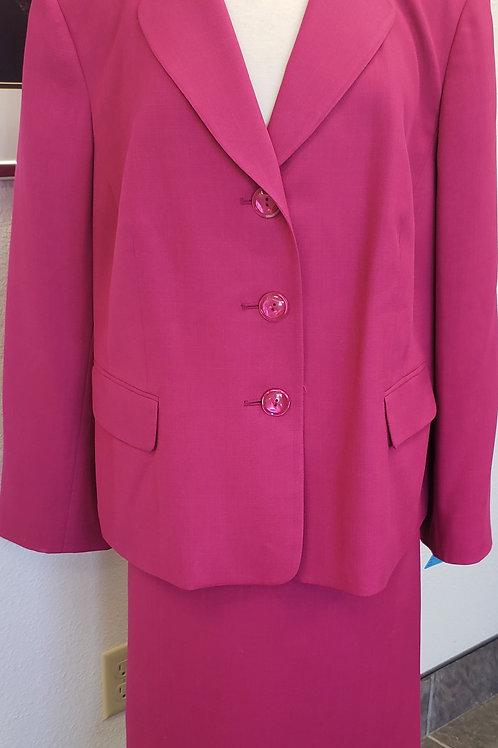 Evan Picone Suit, Size 20W    SOLD