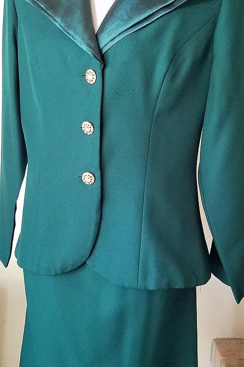 Alex Evenings Suit, Size 14    SOLD