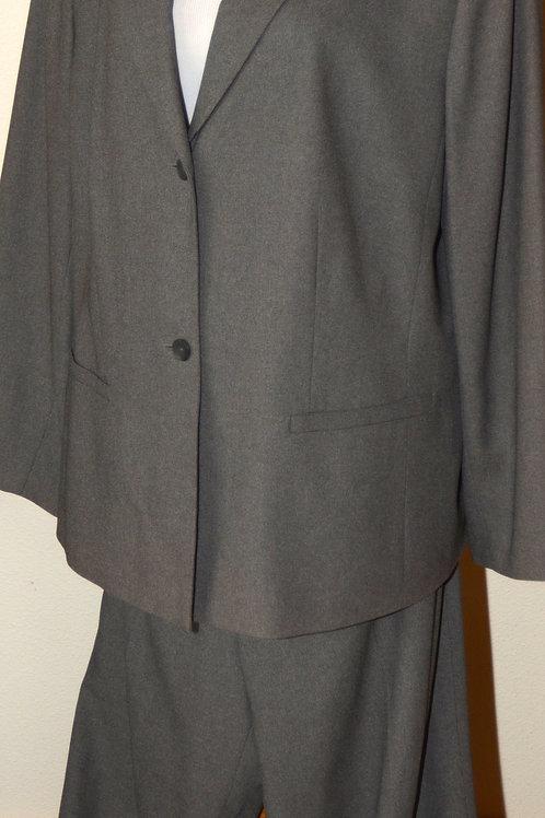 Casual Corner Annex Pants Suit, Size 2X   SOLD