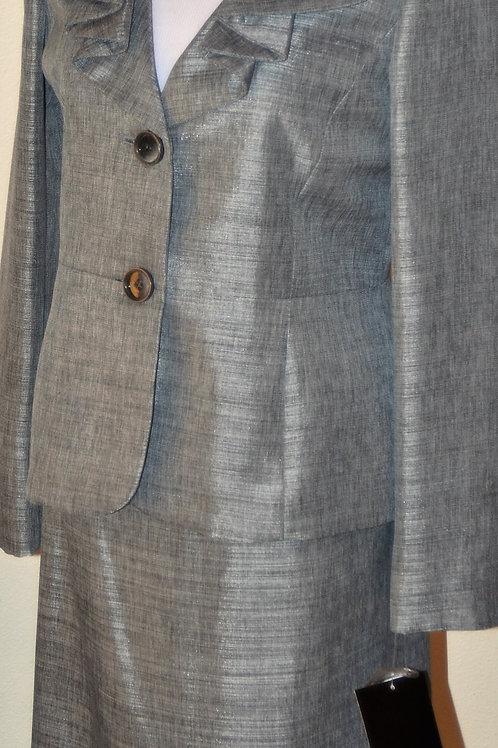 Le Suit, Suit, NWT, Size 6   SOLD