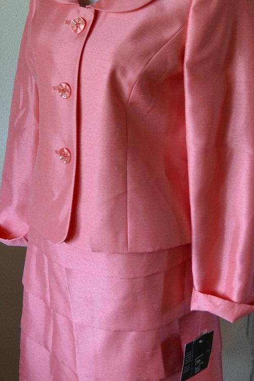 Le Suit, Suit, NWT, Size 4     SOLD
