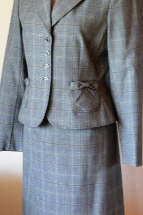 Tahari Suit, Size 8P   SOLD