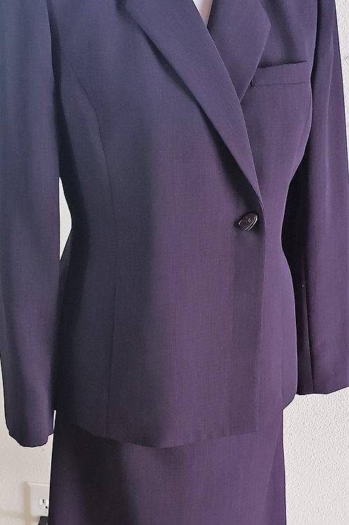 Kasper Suit, Size 8P