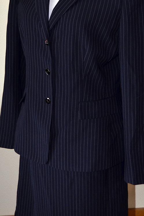 Tahari Suit, Size 10   SOLD