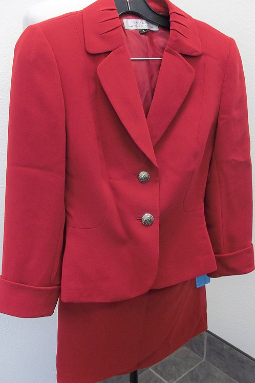 Tahari Suit, Size 2, check measurements, may have been altered