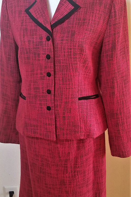 Henry Lee Suit, Size 8P    SOLD