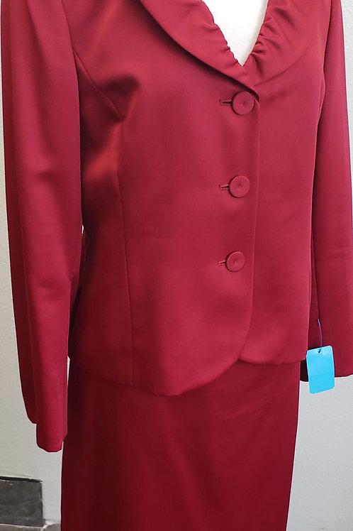 Kasper Suit, Size 14