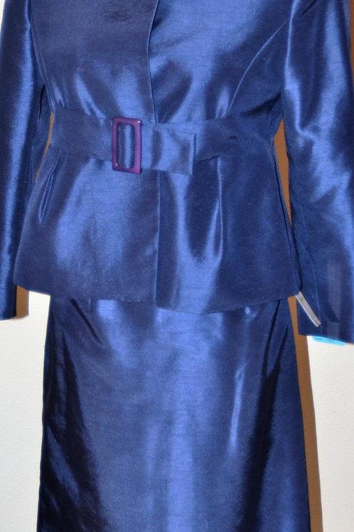 Jones Wear Suit, Size 4P    SOLD