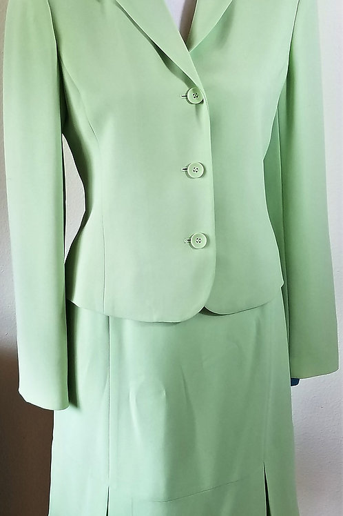 Casual Corner Suit, Size 4    SOLD