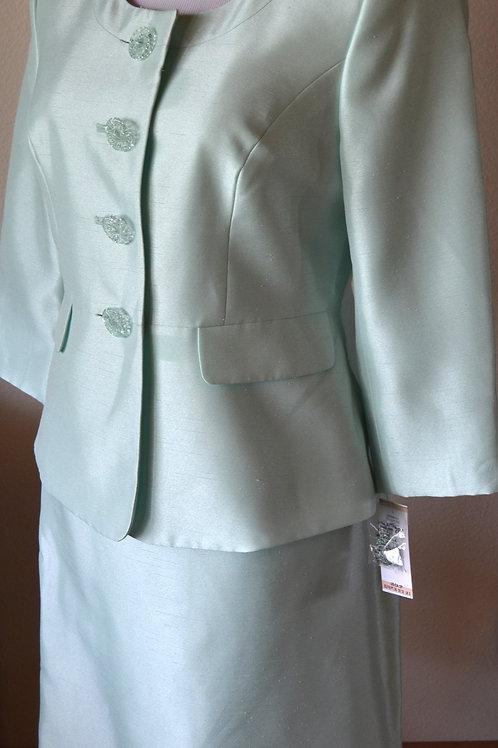 Le Suit, Suit, Size 4   SOLD