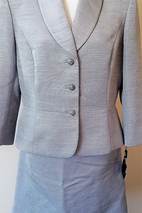 Tahari Suit, NWT Size 12    SOLD