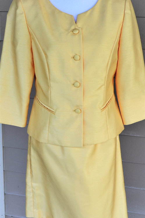 Jessica Howard Suit, Size 8    SOLD