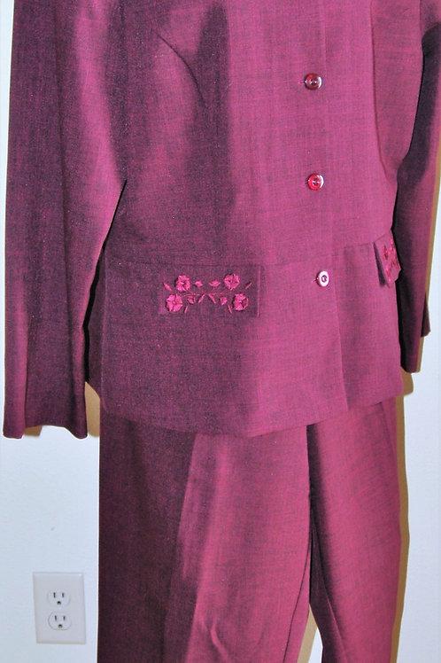 Sag Harbor Pants Suit, Size 18   SOLD