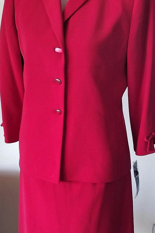 Le Suit, Suit, NWT, Size 8P    SOLD