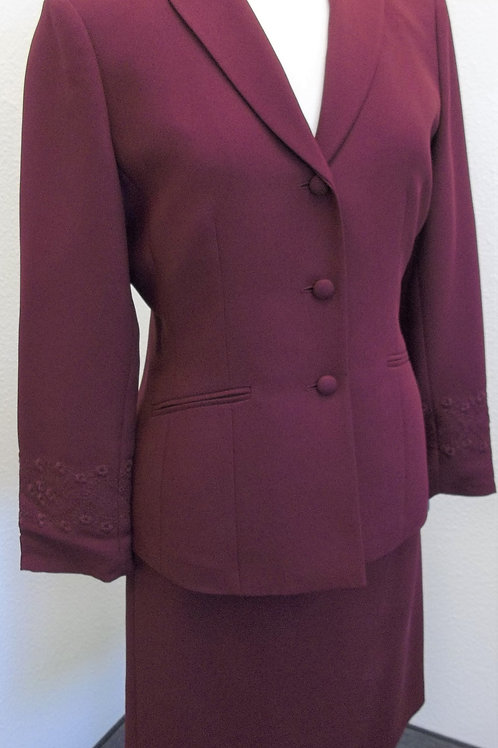 Kasper Suit, Jacket Size 8P, Skirt Size 6P