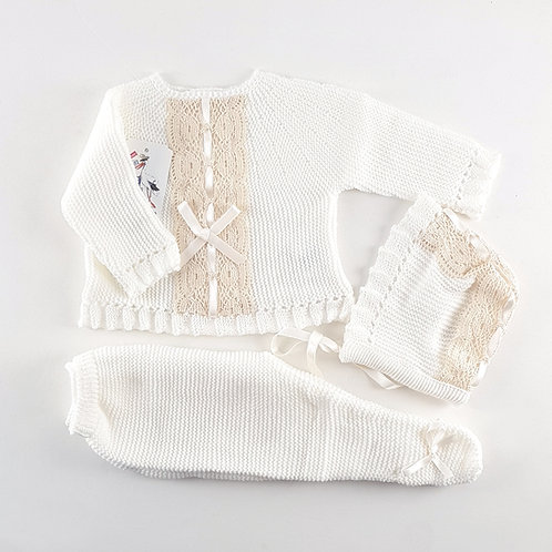 Creaciones Gavidia Cream with Lace & Ribbon 3 Pc Set / Newborn