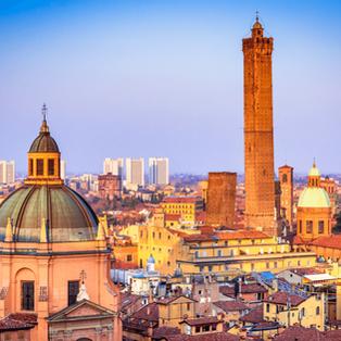Bologna, Torre degli Asinelli e il Santuario Madonna di San Luca