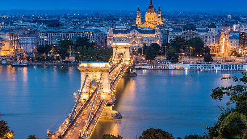 Epifania a Budapest, Lubiana, Zagabria e Grotte di Postumia